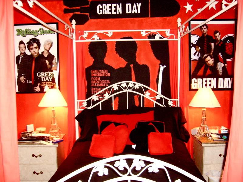 Lizzie room 3