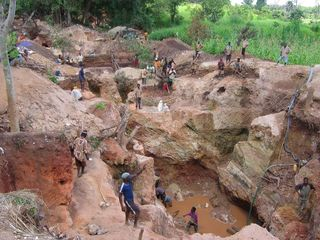 Coltan mining pic